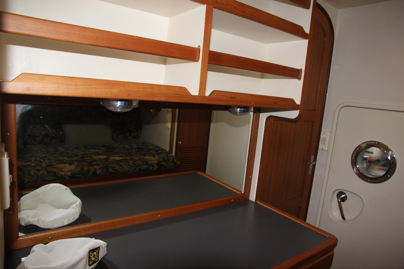 2000 Nordhavn Pilothouse, Book Shelves and Storage