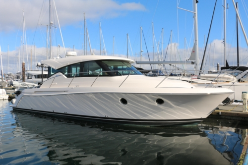 Tiara Yachts 39 Coupe
