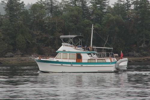 Albin 43 Tri Cabin Trawler 1988