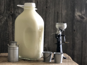 1/2 Gallon - Cow Milk (Glass)
