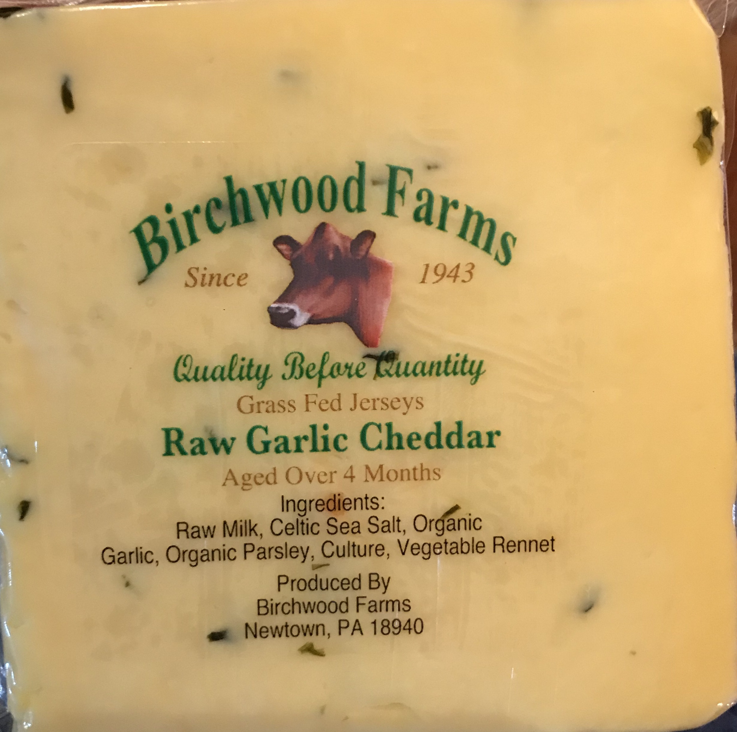 Raw Garlic Cheddar Cheese