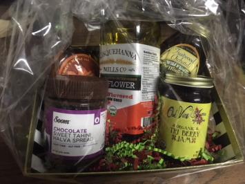 Black Bottom Holiday Gift Basket