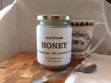 Small glass jar creamed honey