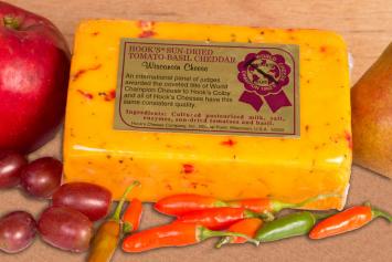Hook's Sun Dried Tomato-Basil-Cheddar