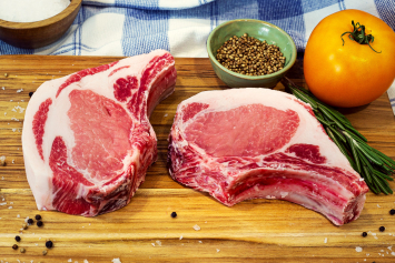 Pork Loin Rib Chops, Bone-In