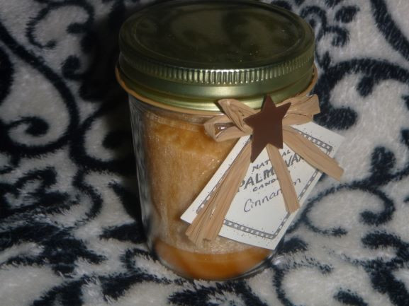 'Cinnamon Bun' scented Candle