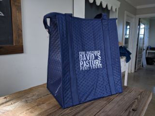 David's Pasture's blue insulated grocery tote bags
