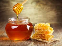 Types of Honey + 5 Ways to Use Raw Honey at Home