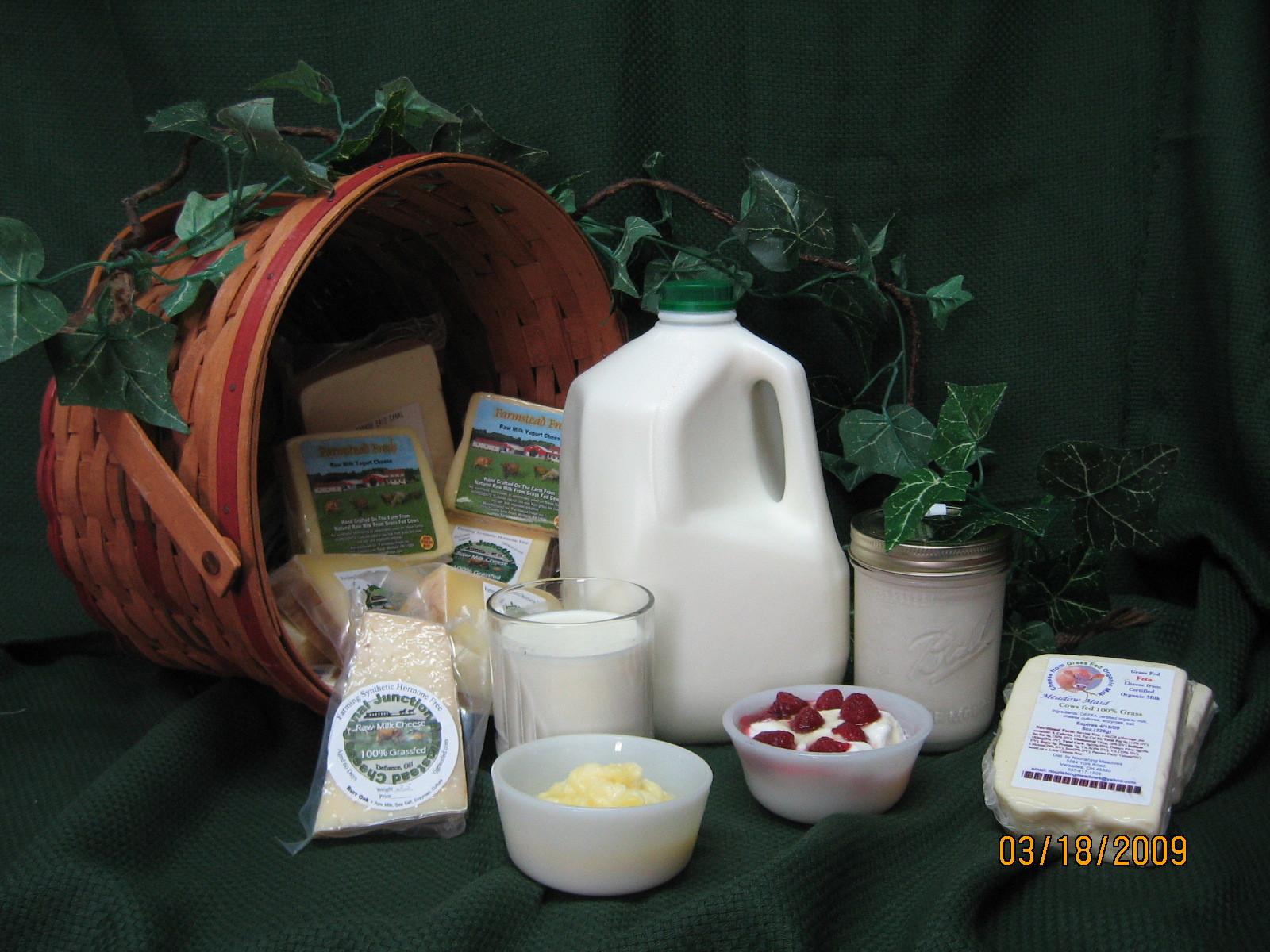 Raw Jersey Milk - Gallon Plastic
