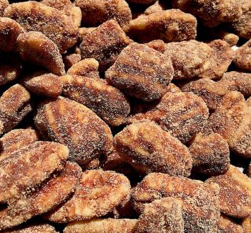 Street Treats - Cinnamon-Sugar Roasted Pecans - 6oz