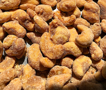 Street Treats - Cinnamon-Sugar Roasted Cashews - 6oz
