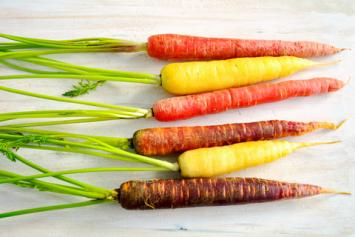 Pound of Rainbow Carrots