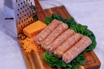 Chicken Cheddar Bratwurst