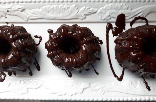 Chocolate Mini Fluted Cakes