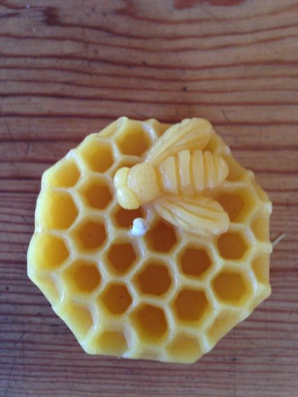 Bee Candle with Comb