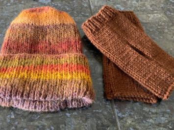 Hand Knit Beanie/Wristlet Combo
