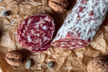 Beef Salami, Links