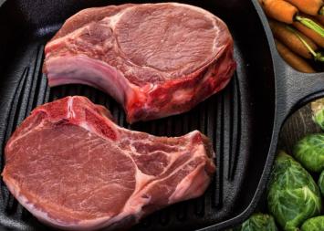 Pork Chop, Bone In  (2 Pack) Large