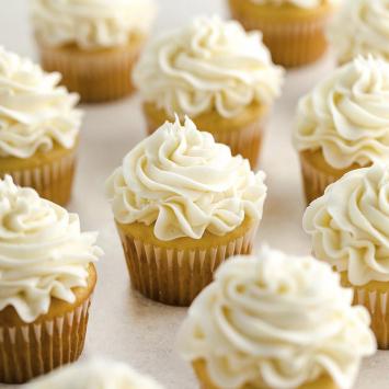 Vanilla Cupcakes (Half Dozen)