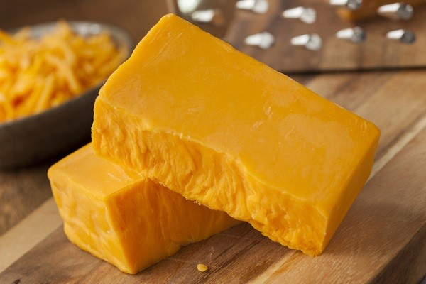 Farm Country Amish Cheese - Yellow Medium Cheddar * 5LB BLOCK *