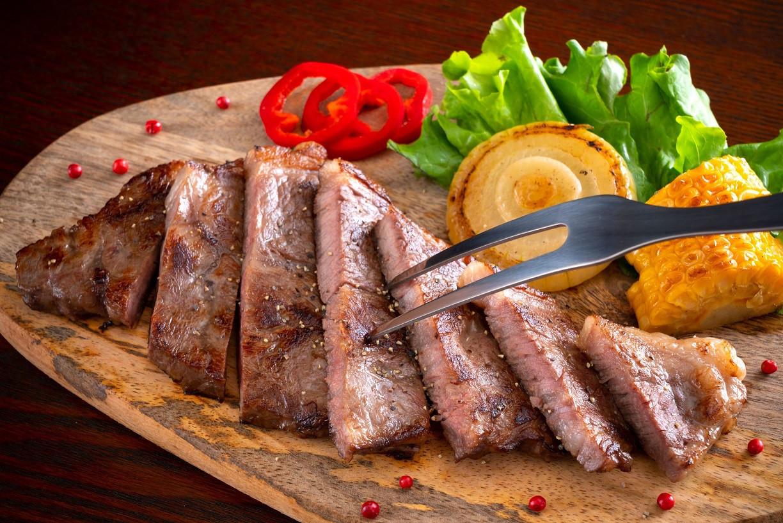 100% Grass-Fed Sizzling Steak Trio