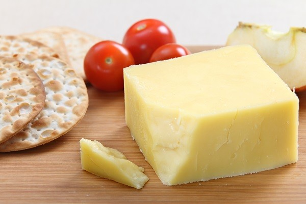 Oliver Farms - Organic Raw Milk Cheese, Farmhouse Cheddar