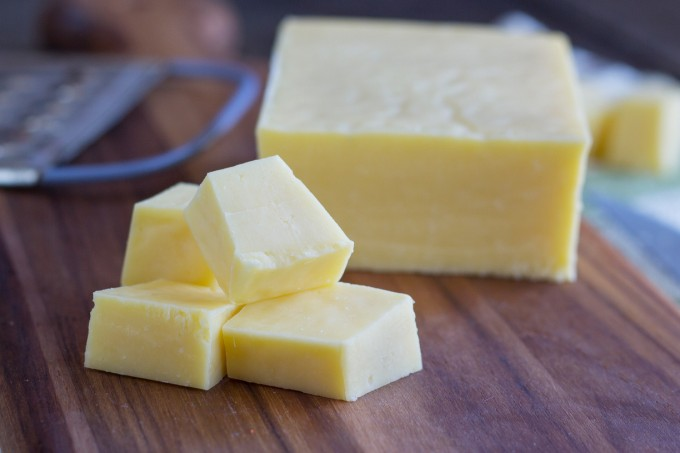 Oliver Farms - Organic Raw Milk Cheese, Sharp Cheddar Cheese