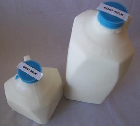 GOAT Milk, Raw (Plastic)
