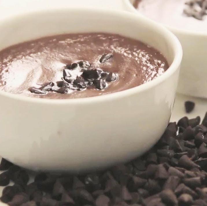 A2 COW Greek Yogurt, Chocolate, Raw (Glass)