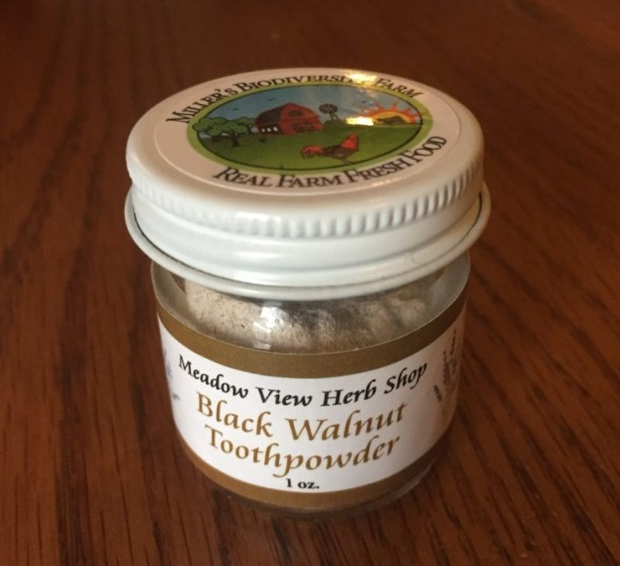Black Walnut Tooth Powder