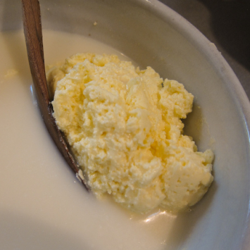 A2 COW Buttermilk, Byproduct of Butter, Raw (Plastic)