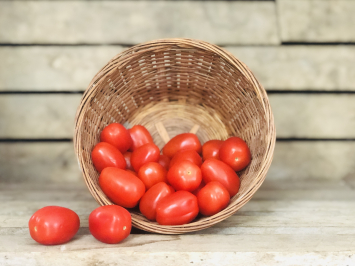 1 pint - Red Grape Tomatoes
