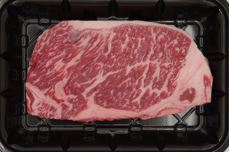 121 Premium Wagyu Striploin (US) 特撰和牛ロース (米国) Avg 285g (10 oz)
