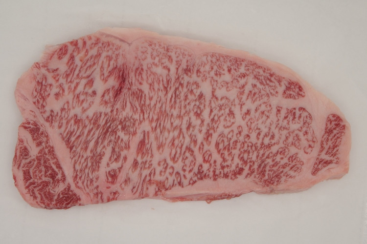 541 Hida Beef Striploin (JPN) A5 飛騨牛 特選ロース (日本) Avg 350g (12 oz)