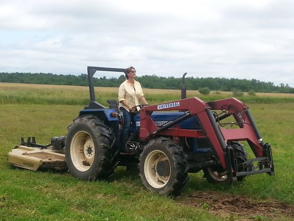 Old-tractor-smaller20150717_121520.jpg