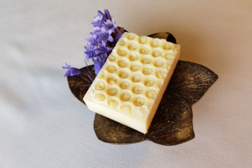 Old Fashioned Soap - Honey