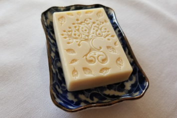 Old Fashioned Soap - Goat's Milk & Honey