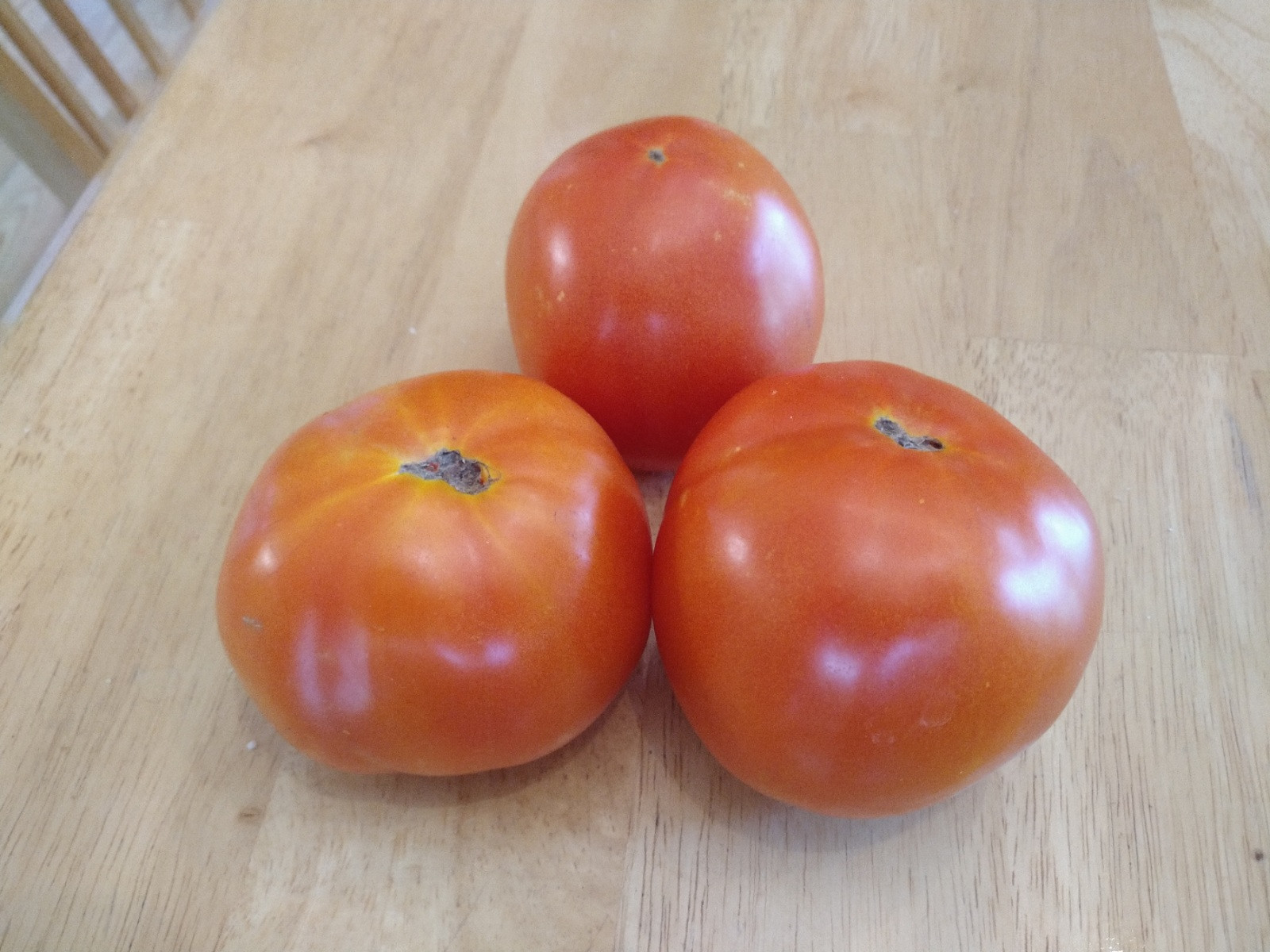 1 lb Vine ripe tomatoes (approx 3 tomatoes)