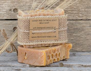 Goat Milk Soap gift (Honey & Oatmeal)