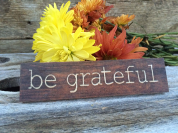 Be Grateful (wooden sign)