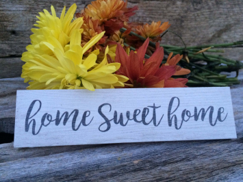 Home Sweet Home (wooden sign)