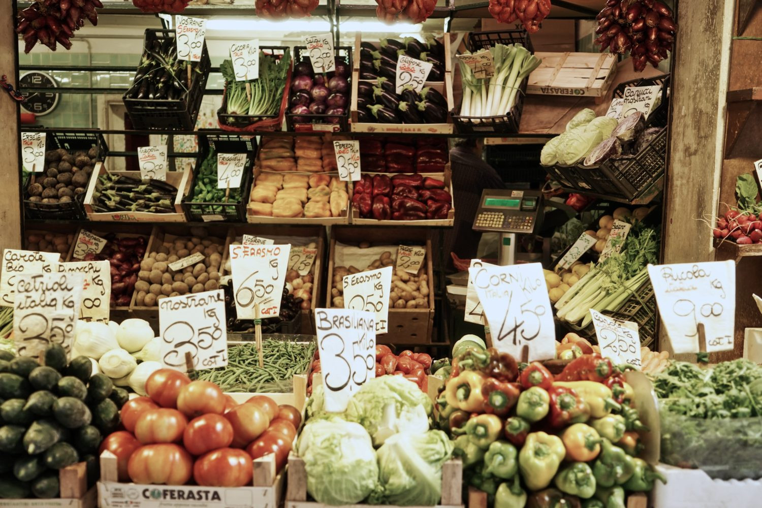 Shop Local: 5 Best Local Food Suppliers (Beyond the Grocery Store)