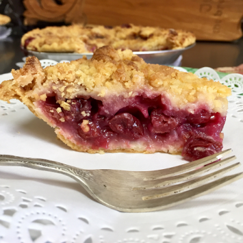 Baked Cherry Crumb Pie - Large