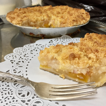 Baked Peach Apple Crumb Pie - Large