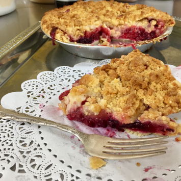 Baked Lakeshore Berry Pie - Large
