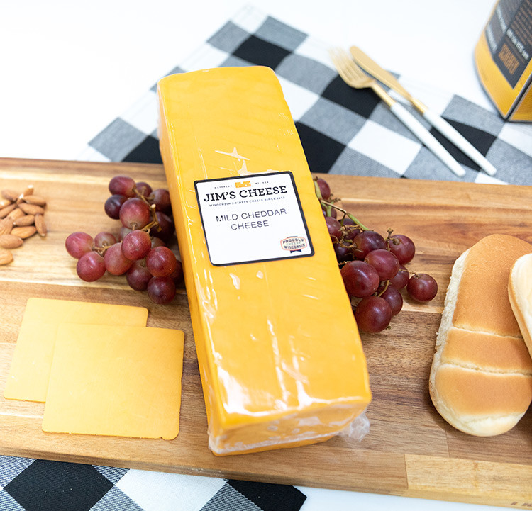 Deli Sliced Cheddar Cheese - Mild