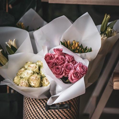 12 Long-Stemmed Roses