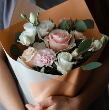 Heartfelt Hand-tied Bouquet - Valentine's Day Pre-order