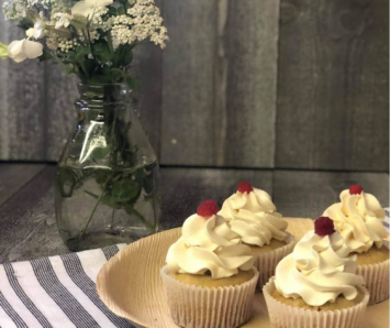 Vanilla Raspberry Cupcakes dozen