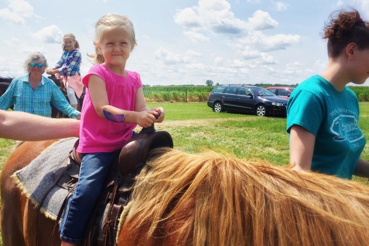 horse-rides.jpg